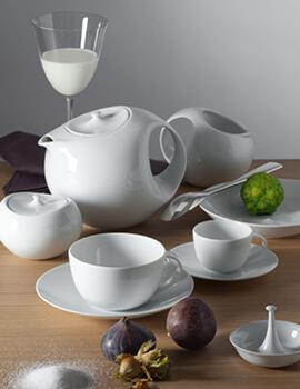 service de table porcelaine blanche design en image. Black Bedroom Furniture Sets. Home Design Ideas