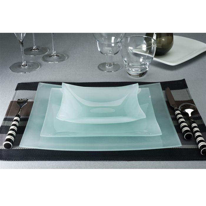 service de table en verre transparent design en image. Black Bedroom Furniture Sets. Home Design Ideas