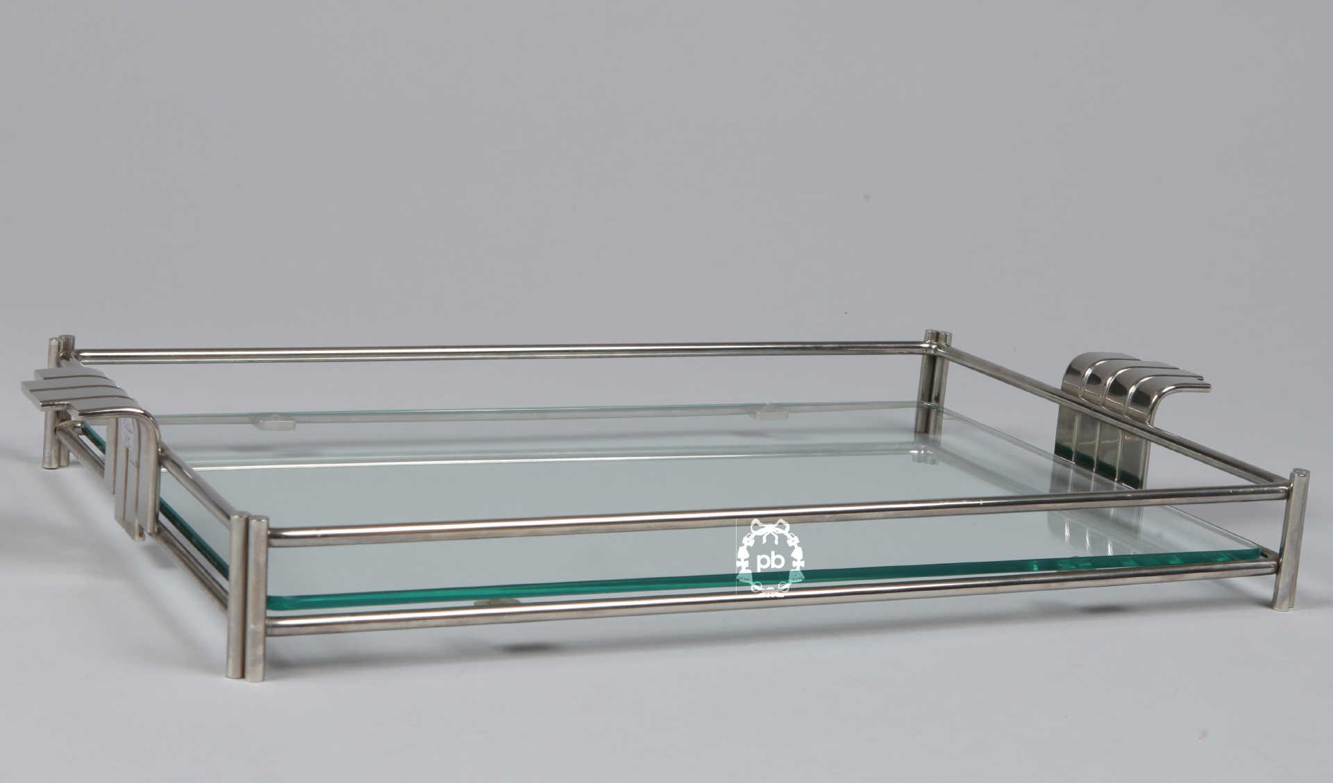 plateau de service en verre design en image. Black Bedroom Furniture Sets. Home Design Ideas