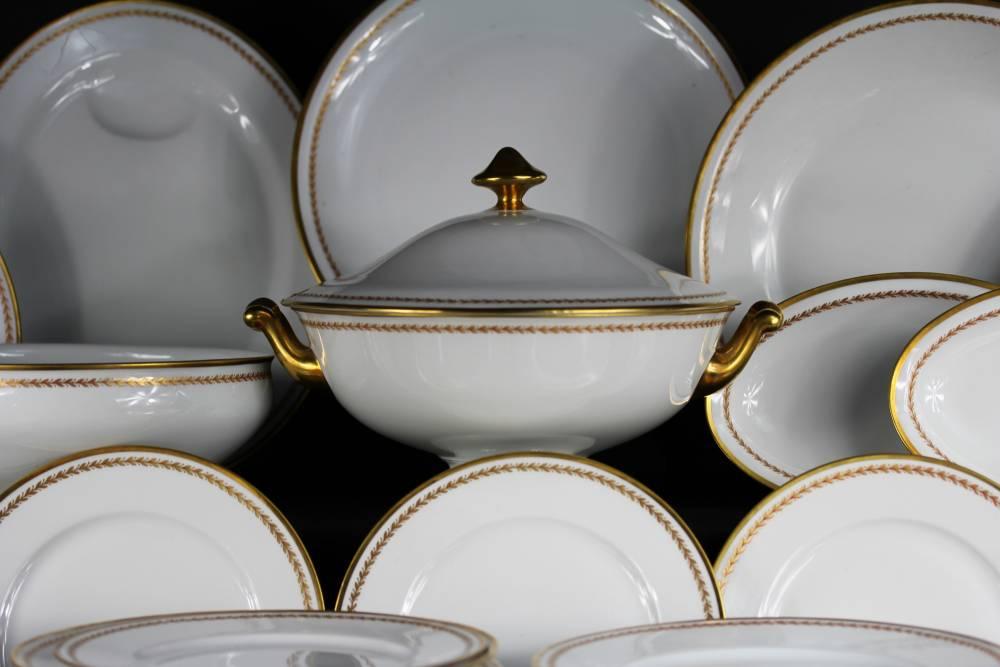 Service Complet Vaisselle Porcelaine Design En Image