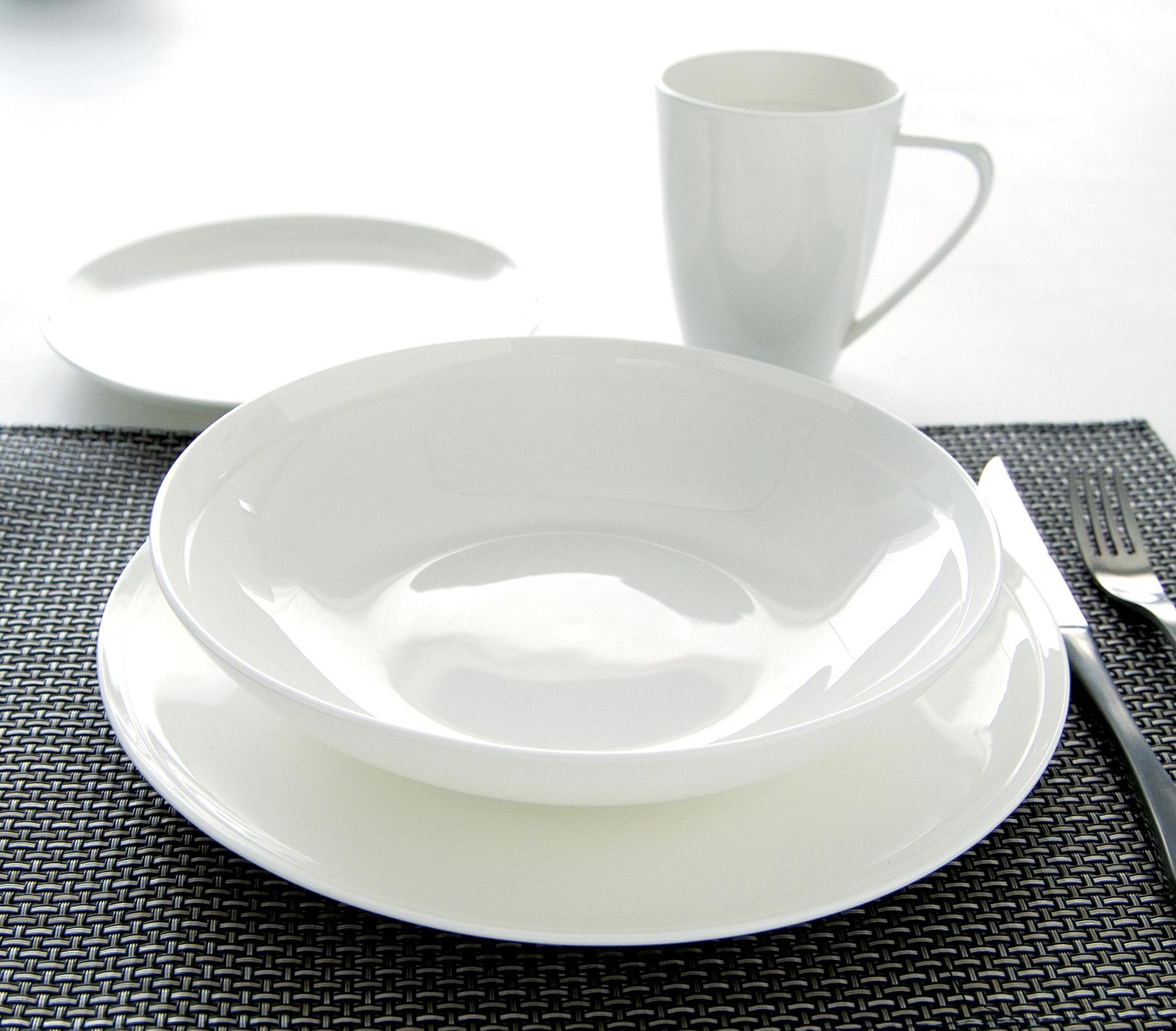 service vaisselle porcelaine blanche design en image. Black Bedroom Furniture Sets. Home Design Ideas