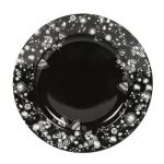 Vaisselle noire et blanche
