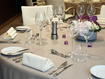 Trouver Set Table Restaurant