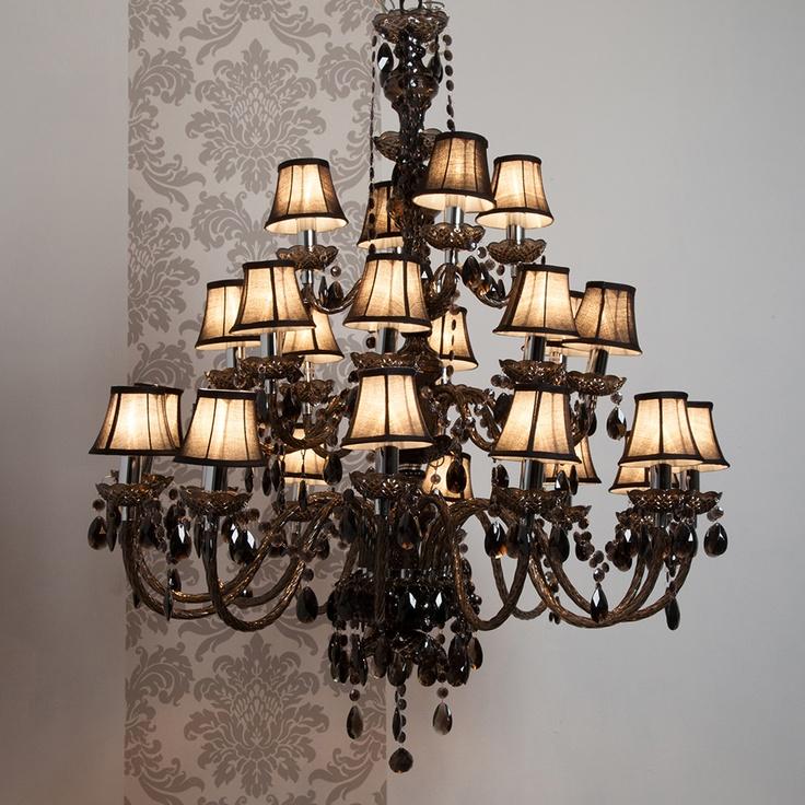 grand lustre baroque design en image. Black Bedroom Furniture Sets. Home Design Ideas