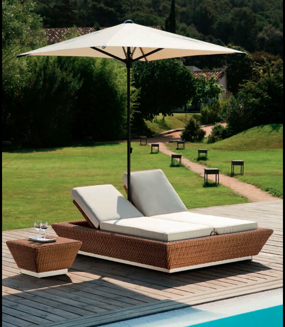 Emejing transat jardin design contemporary awesome for Chaise longue en resine