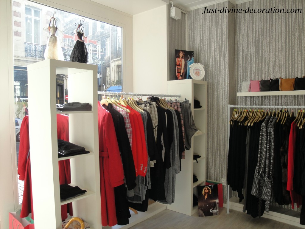 decoration de boutique design en image. Black Bedroom Furniture Sets. Home Design Ideas