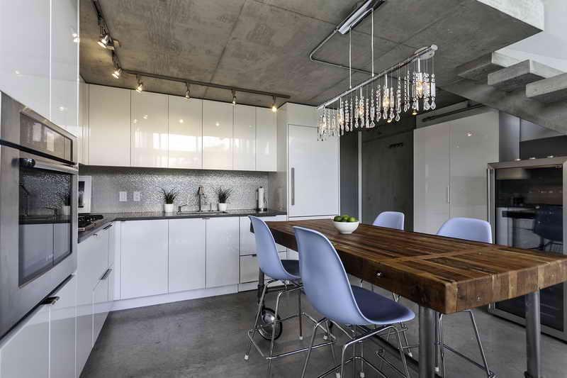 Luminaire suspendu cuisine design en image for Luminaire cuisine pas cher
