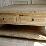 Table basse carrée bois massif