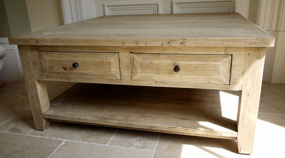 Table basse carr e bois massif design en image - Table basse carree en bois ...