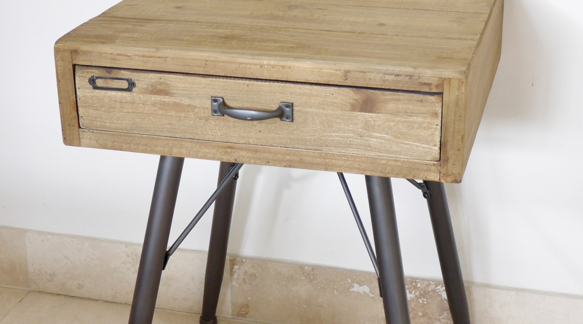 table de chevet bois et metal design en image