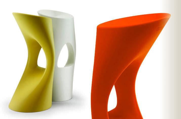 tabouret original design en image. Black Bedroom Furniture Sets. Home Design Ideas