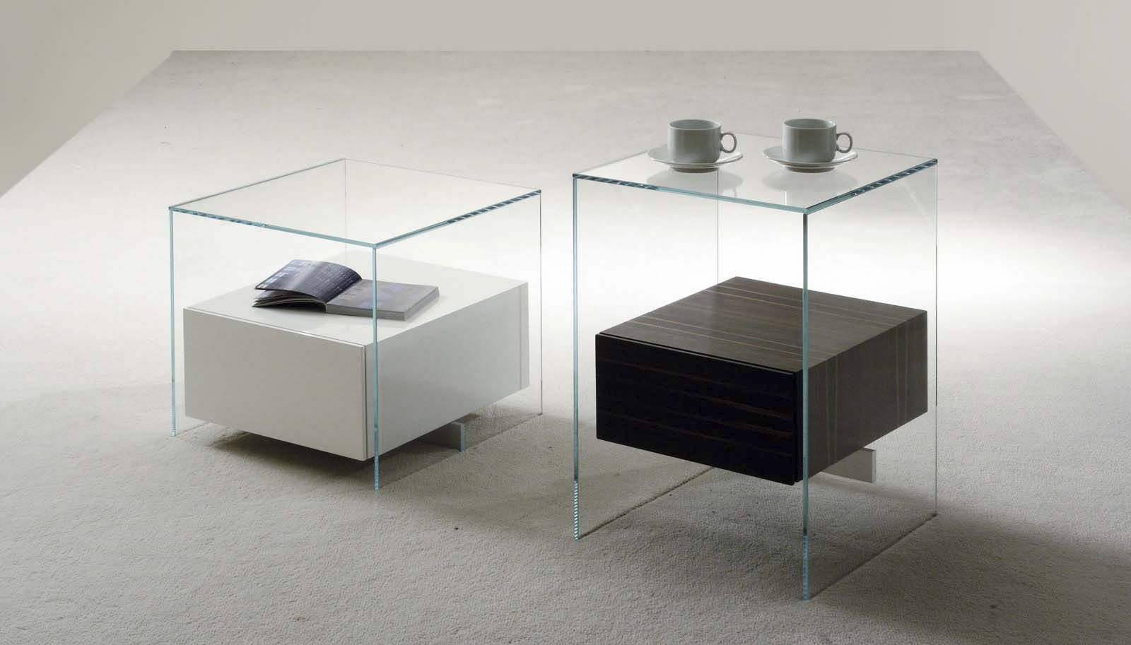 Table de chevet design en verre design en image for Table basse moderne bois