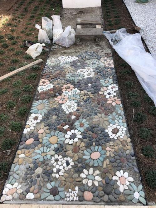 Décoration jardin avec des galets - Design en image