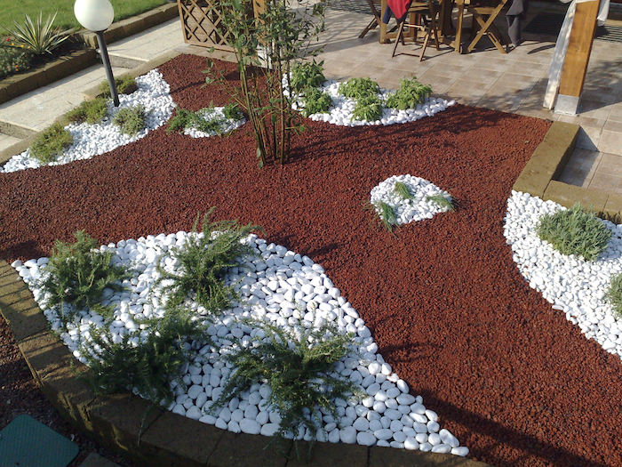 Galets de decoration pour jardin - Design en image