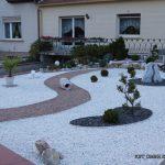 Décoration jardin cailloux