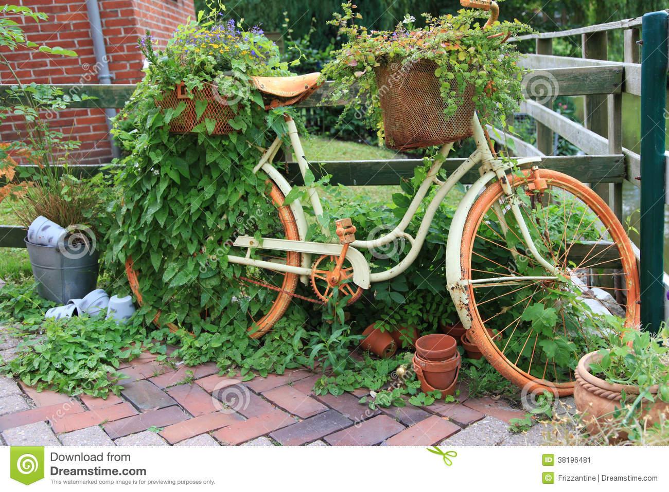 Velo de decoration pour jardin - Design en image