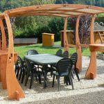 Décoration de jardin extérieur en bois