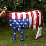 Vache en decoration de jardin - Design en image