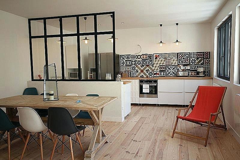 Décoration salon murs blancs - Design en image