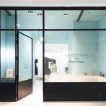 Décoration vitrine salon de coiffure