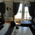 Idée décoration salon noir et gris