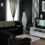 Decoration salon noir blanc argenté