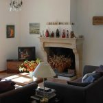 Decoration du salon avec cheminee