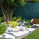 Décoration jardin extérieur en pierre