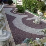 Décoration jardin en galets