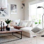 Decoration salon avec canapé blanc