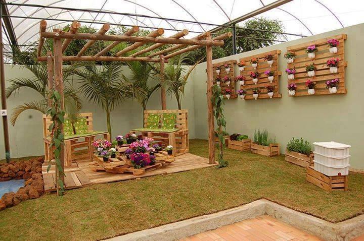 Décoration jardin en bois