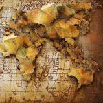 Décoration murale map monde bois et métal