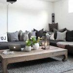 Décoration salon bois et blanc