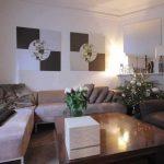 Decoration salon blanc et taupe