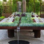 Décoration sur table de jardin
