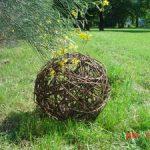 Décoration de jardin en osier