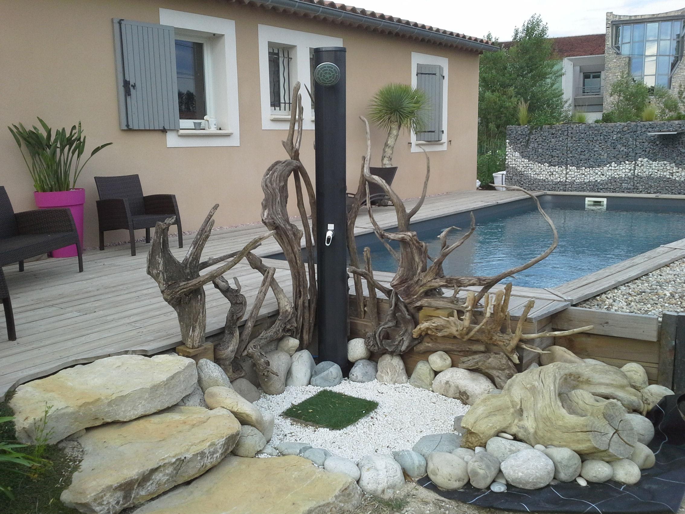 Décoration jardin extérieur bois