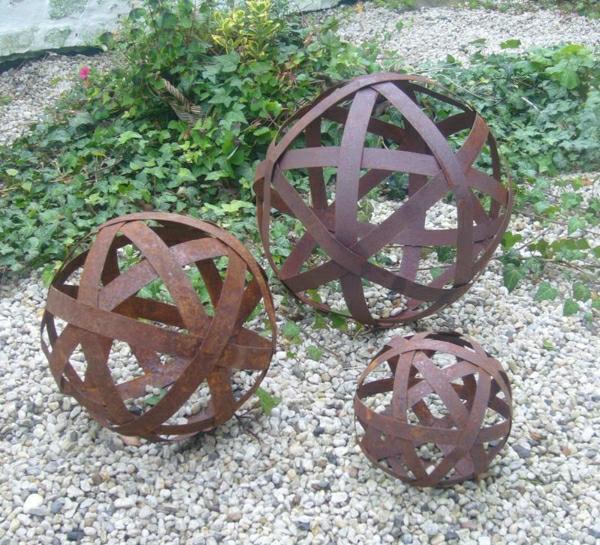Décoration de jardin métal rouillé