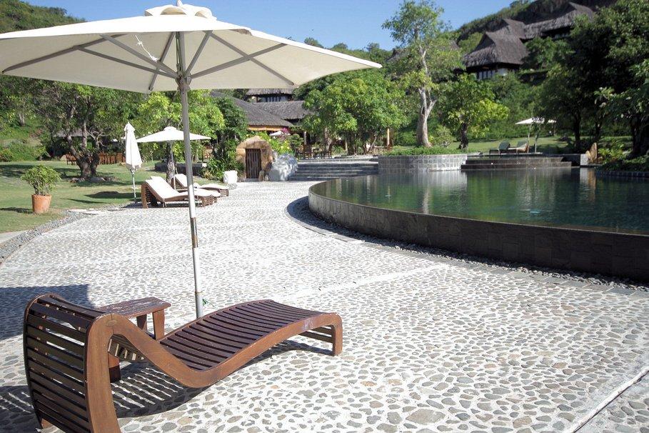 Decoration autour de piscine jardin - Design en image