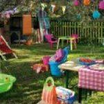 Decoration anniversaire dans un jardin