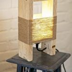 Lampe de chevet en bois fait maison