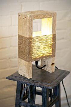 Lampe de chevet en bois fait maison - Design en image