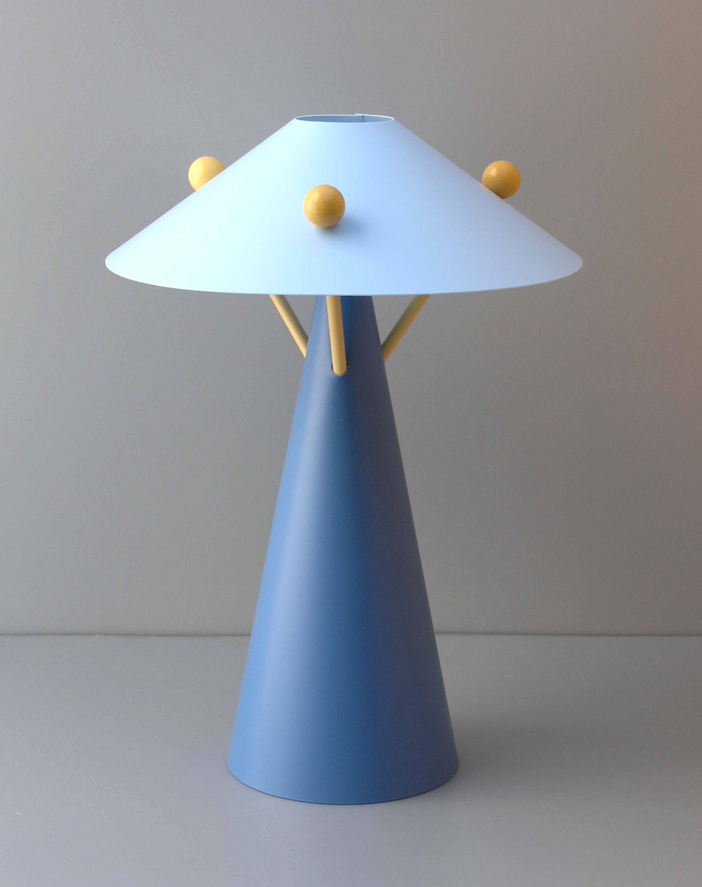 Petite Lampe De Chevet Led Design En Image
