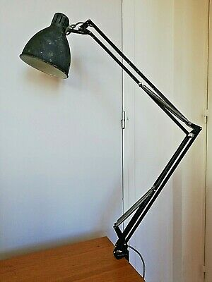 Ancienne lampe architecte design
