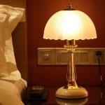Lampe de chevet blanche et cristal