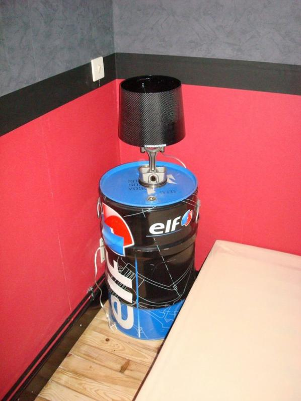 Lampe de chevet piston