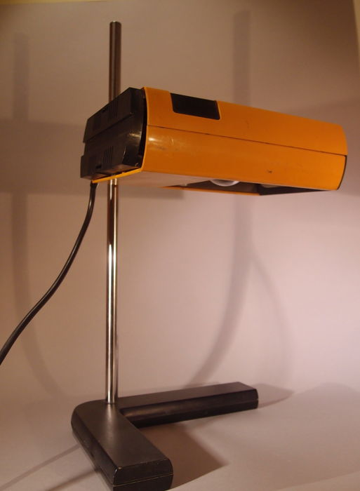 Lampe de bureau design orange