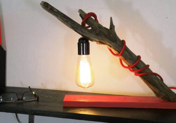 Diy lampadaire bois flotté