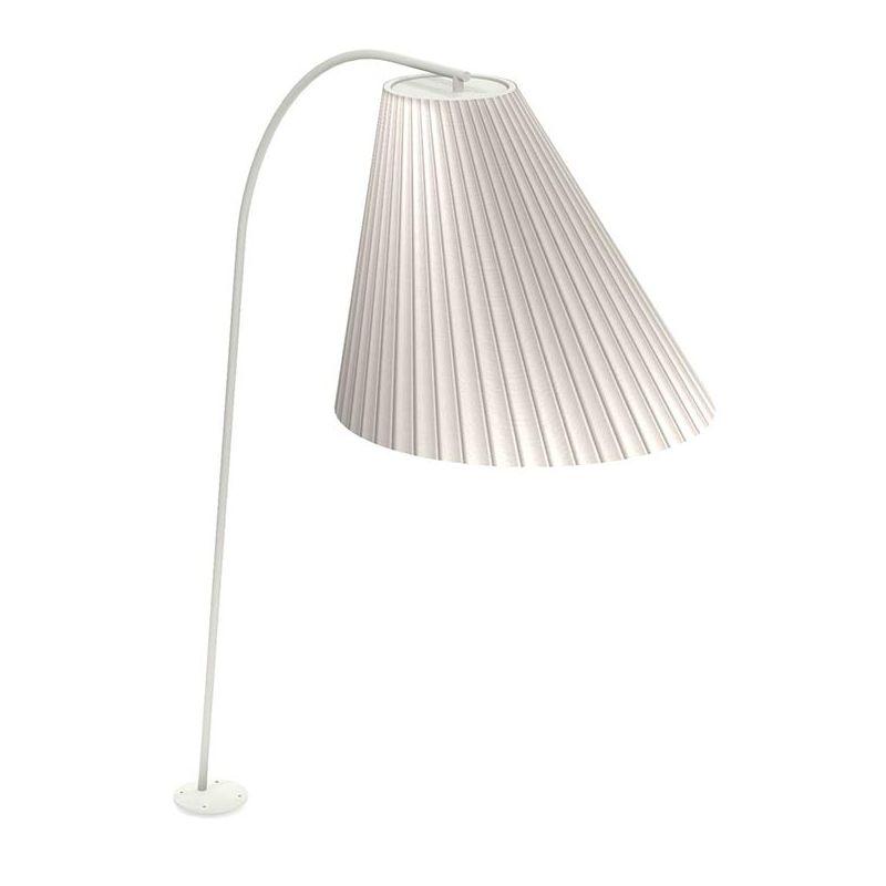 Fixer un lampadaire extérieur