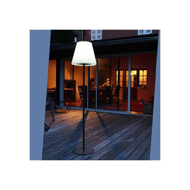 Lampe de jardin solaire design